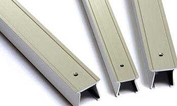 Aluminium slot cover for machines