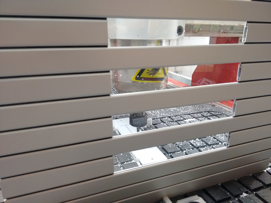 Aluminium protection blinds for machine model PHR with window