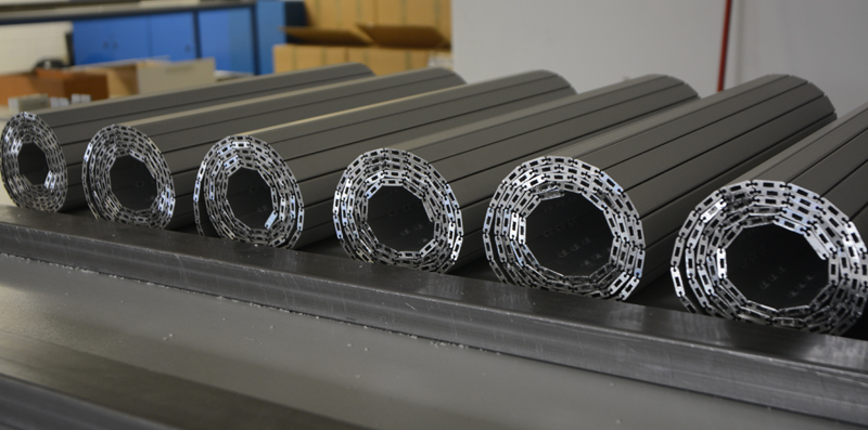 Model PHR+ aluminium protection blinds for machine tool