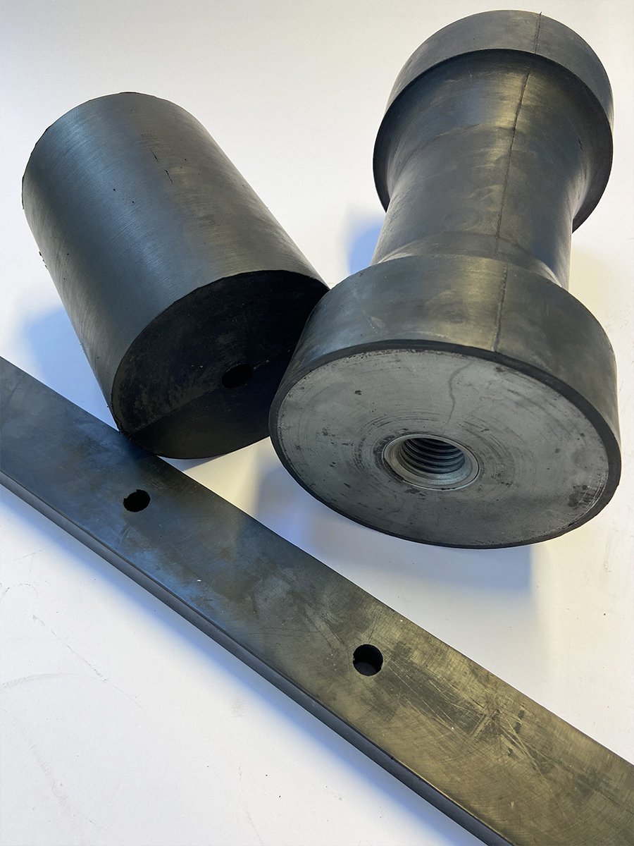 SILENTBLOCK Vibrating rubber wedges and cylinders for farming machinery